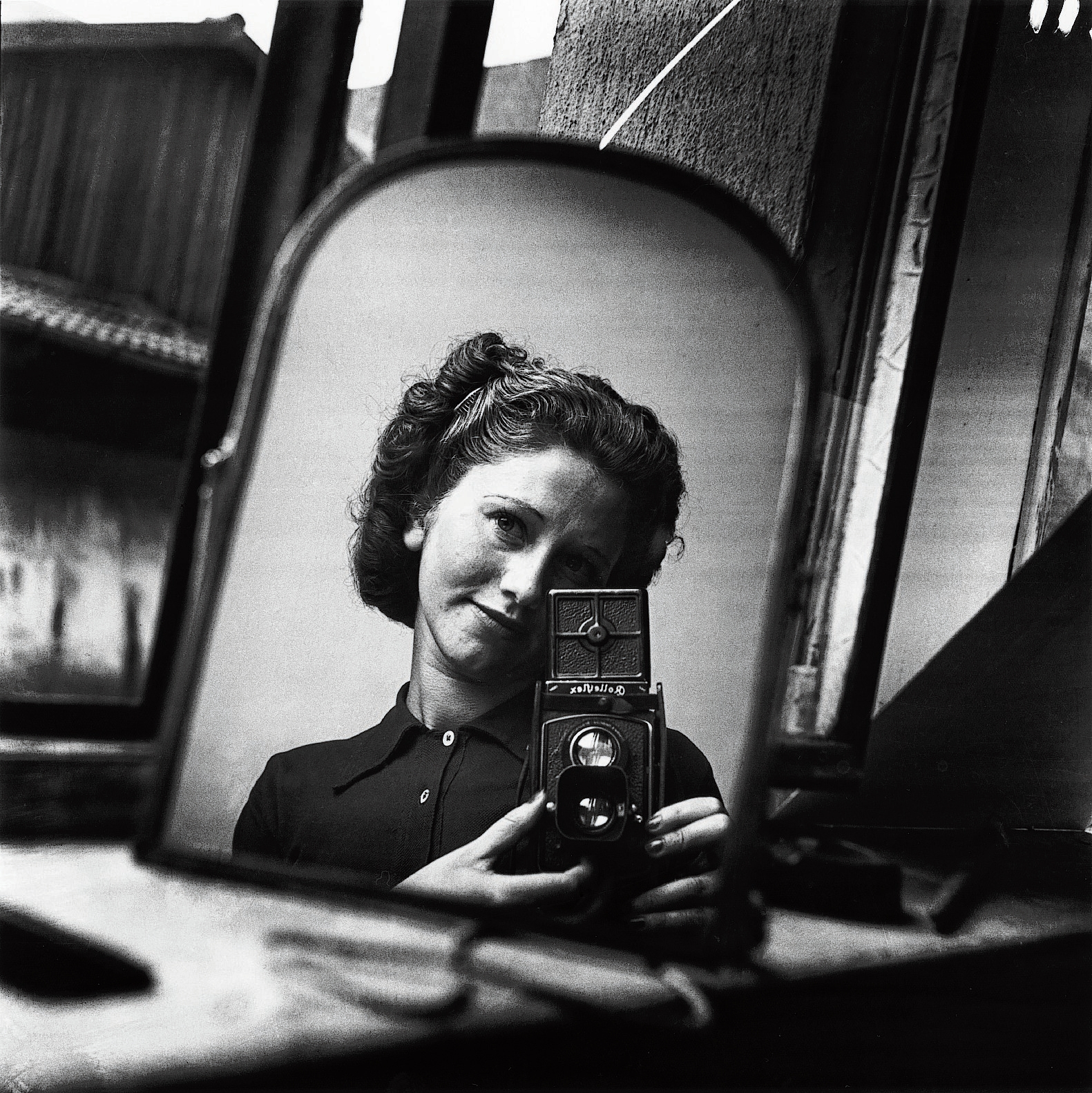 foto: © Ata Kandó / Nederlands Fotomuseum - Zelfportret in Parijs (1935-1937)
