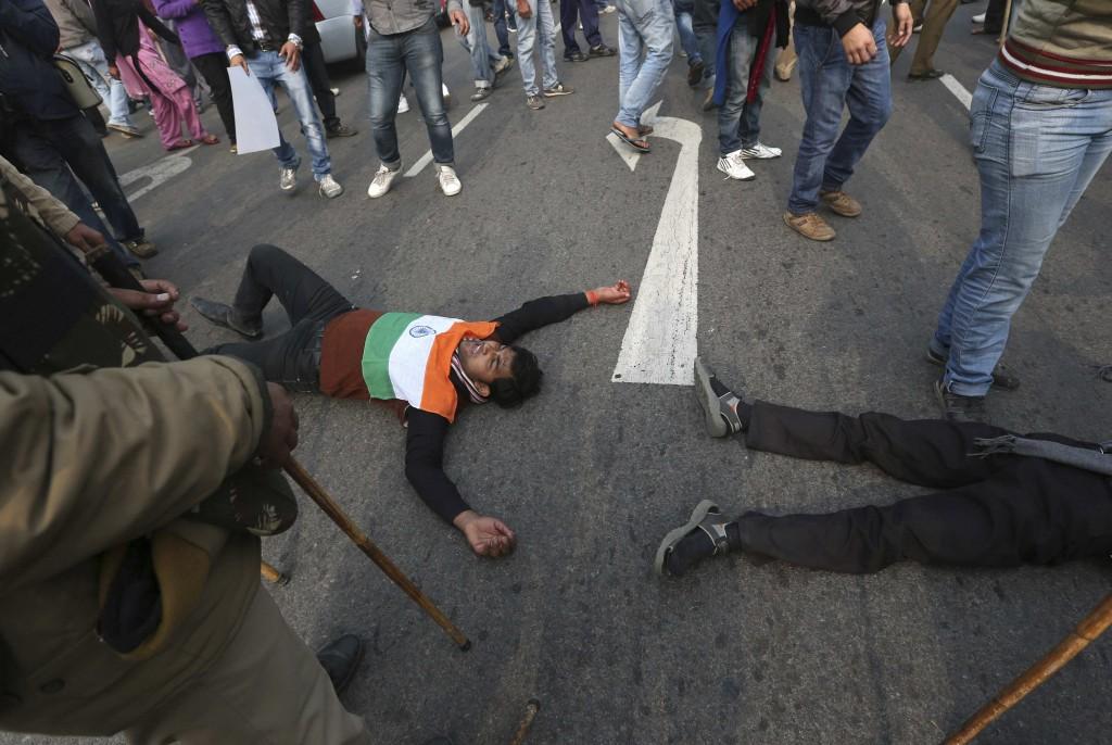 Reuters / Ahmad Masood