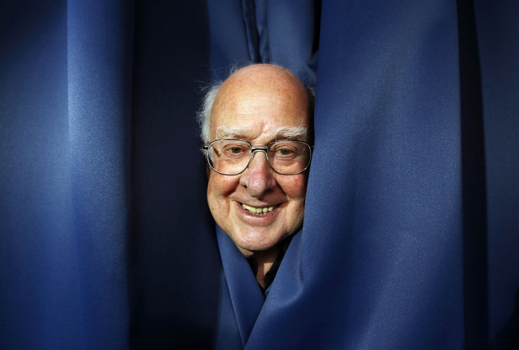 RNPS IMAGES OF THE YEAR 2012 - Professor Peter Higgs poses for a photograph following a news conference at the launch of The University of Edinburgh's new Higgs Centre for Theoretical Physics, Scotland July 6, 2012. REUTERS/David Moir (BRITAIN - Tags: SCIENCE TECHNOLOGY EDUCATION SOCIETY)