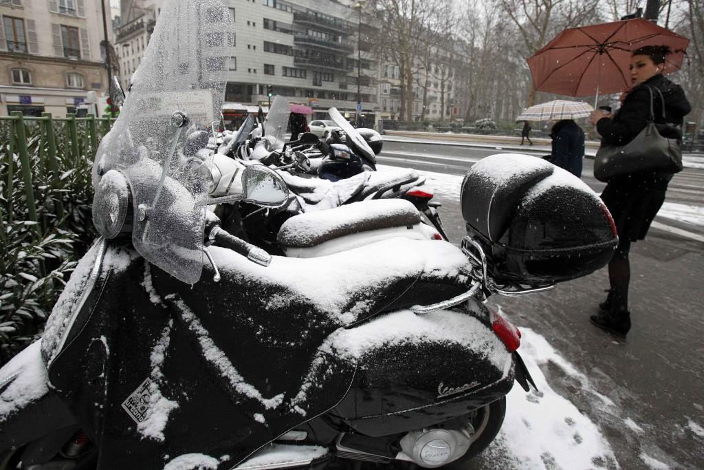 Ook in Parijs sneeuwde het.