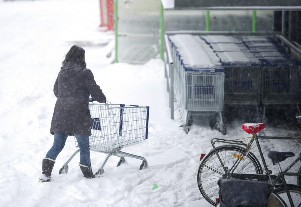 Een vrouw probeert het toch nog even in Heerlen.