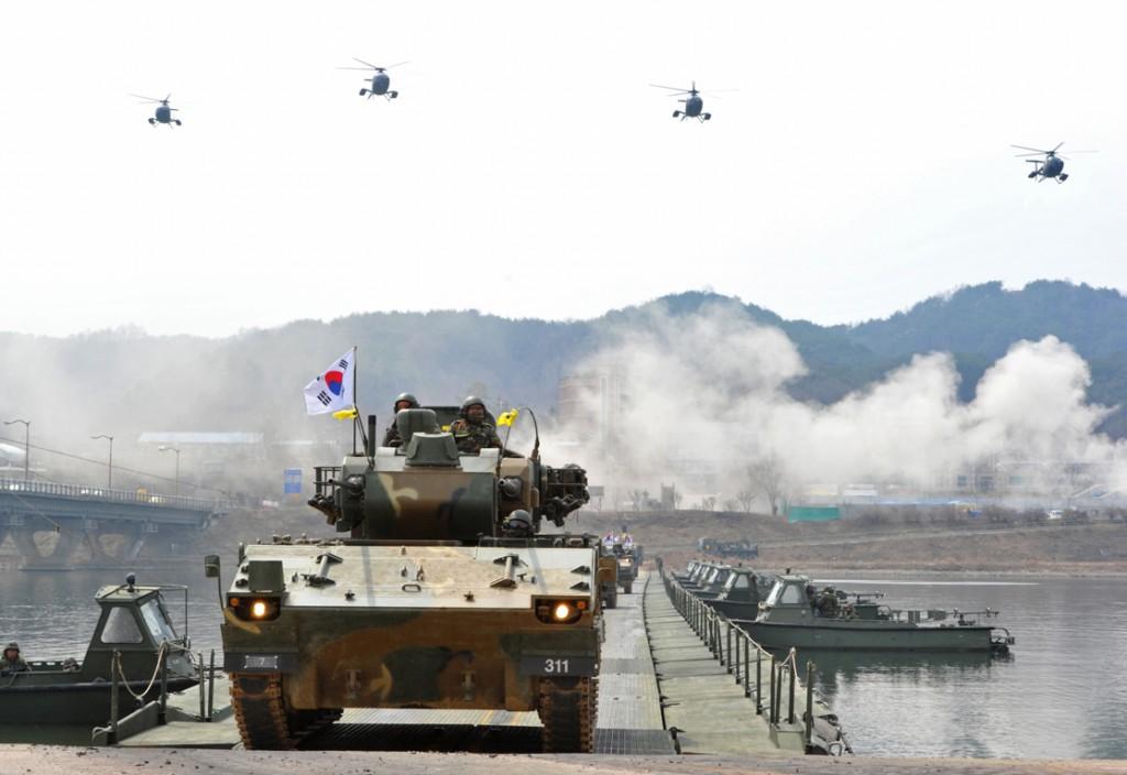 Een militaire oefening van Zuid-Korea bij de grens gisteren.