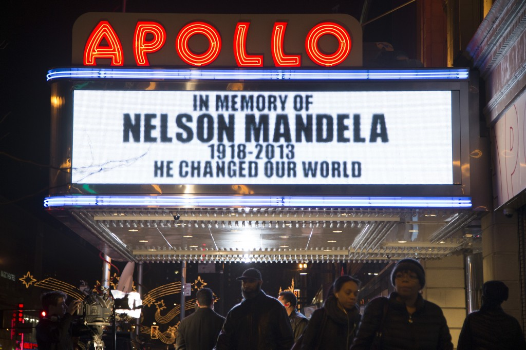 AP / John Minchillo