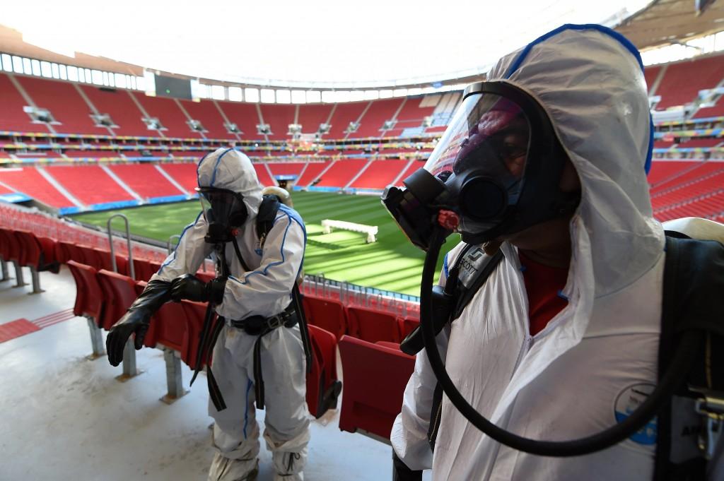Een gesimuleerde explosie van radioactief materiaal in een WK-stadion, een oefening in de aanloop naar het WK.