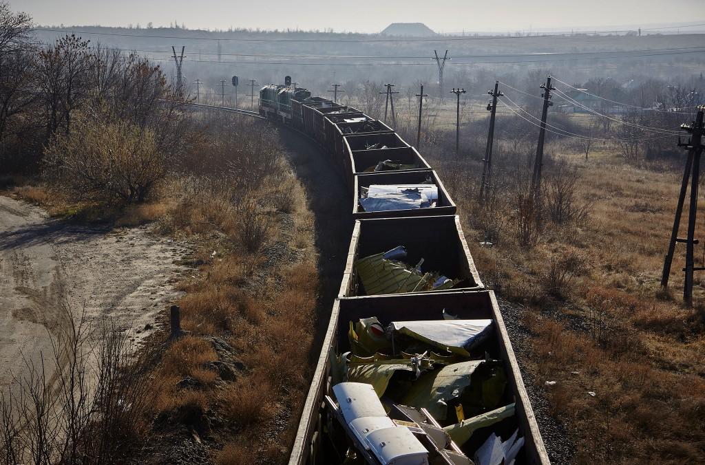 Een trein brengt resten van vlucht MH17 van Torez naar Kharkiv.