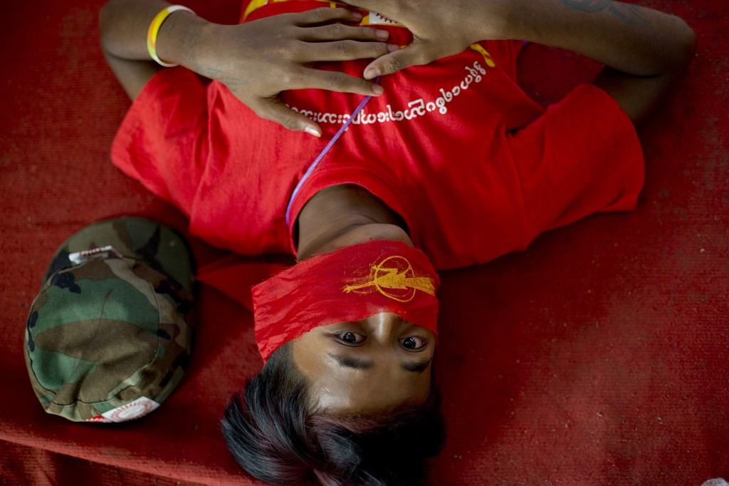 AP / Gemunu Amarasinghe