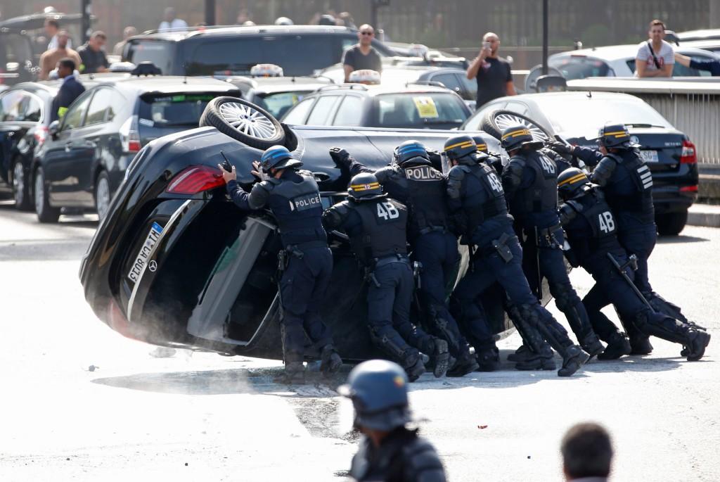 Reuters / Charles Platiau