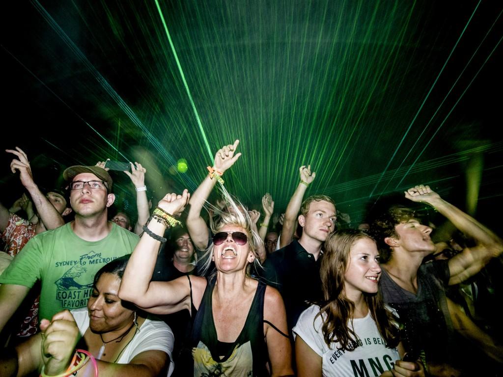 Uitgelaten sfeer bij het concert van Underworld op dag 2 van de 23ste editie van Lowlands.