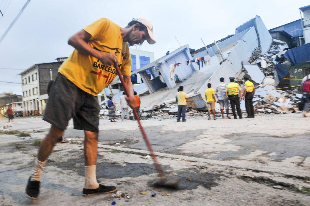 Vernietigde huizen in de stad Guayaquil.