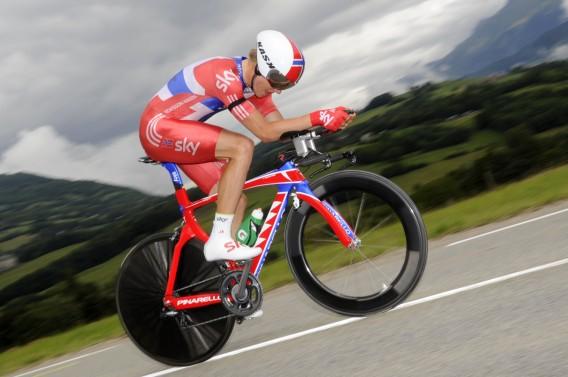 Edvald Boasson Hagen tijdens de tijdrit in de Tour. Foto AFP / Lionel Bonaventure