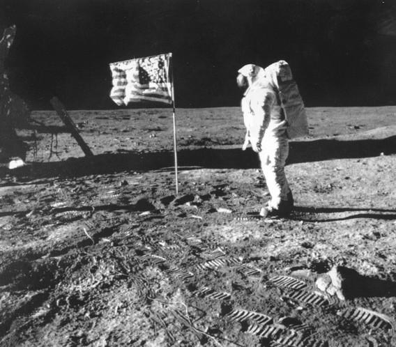 Neil Armstrong, in 1969 de eerste man op de maan.