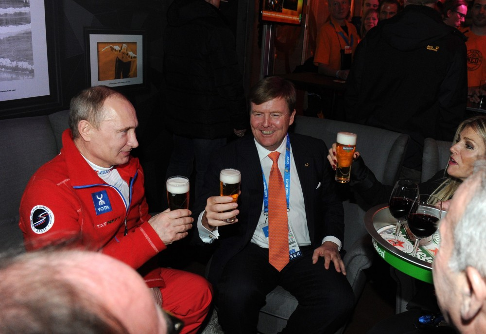 Russian president Vladimir Putin meets with Dutch king Willem-Alexander and queen Máxima during the Olympic Winter Games in Sochi.